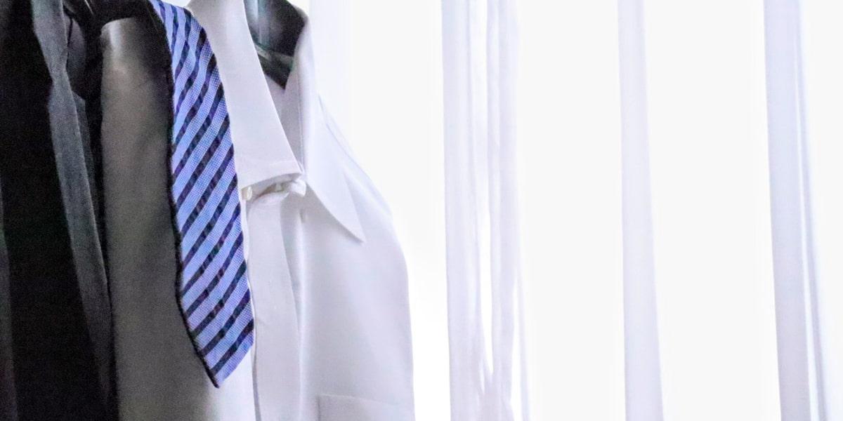Yシャツとネクタイ